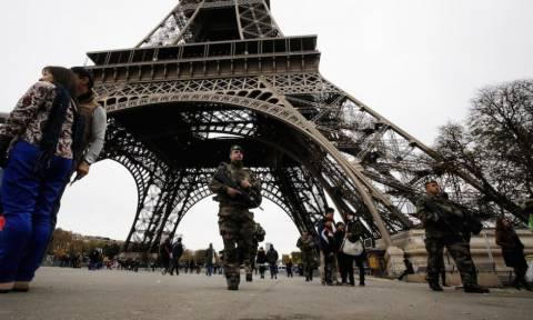 Νότια Κορέα: Η κυβέρνηση συνιστά στους πολίτες να «αποφεύγουν» τα ταξίδια στο Παρίσι