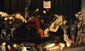 Επίθεση Παρίσι: Αθήνα και Θεσσαλονίκη... τρικολόρ (pics)