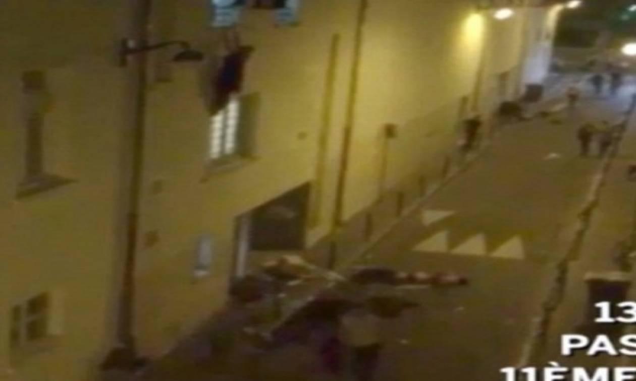 Βίντεο – γροθιά στο στομάχι: Έγκυος η γυναίκα που κρεμόταν από το μπαλκόνι στο Μπατακλάν