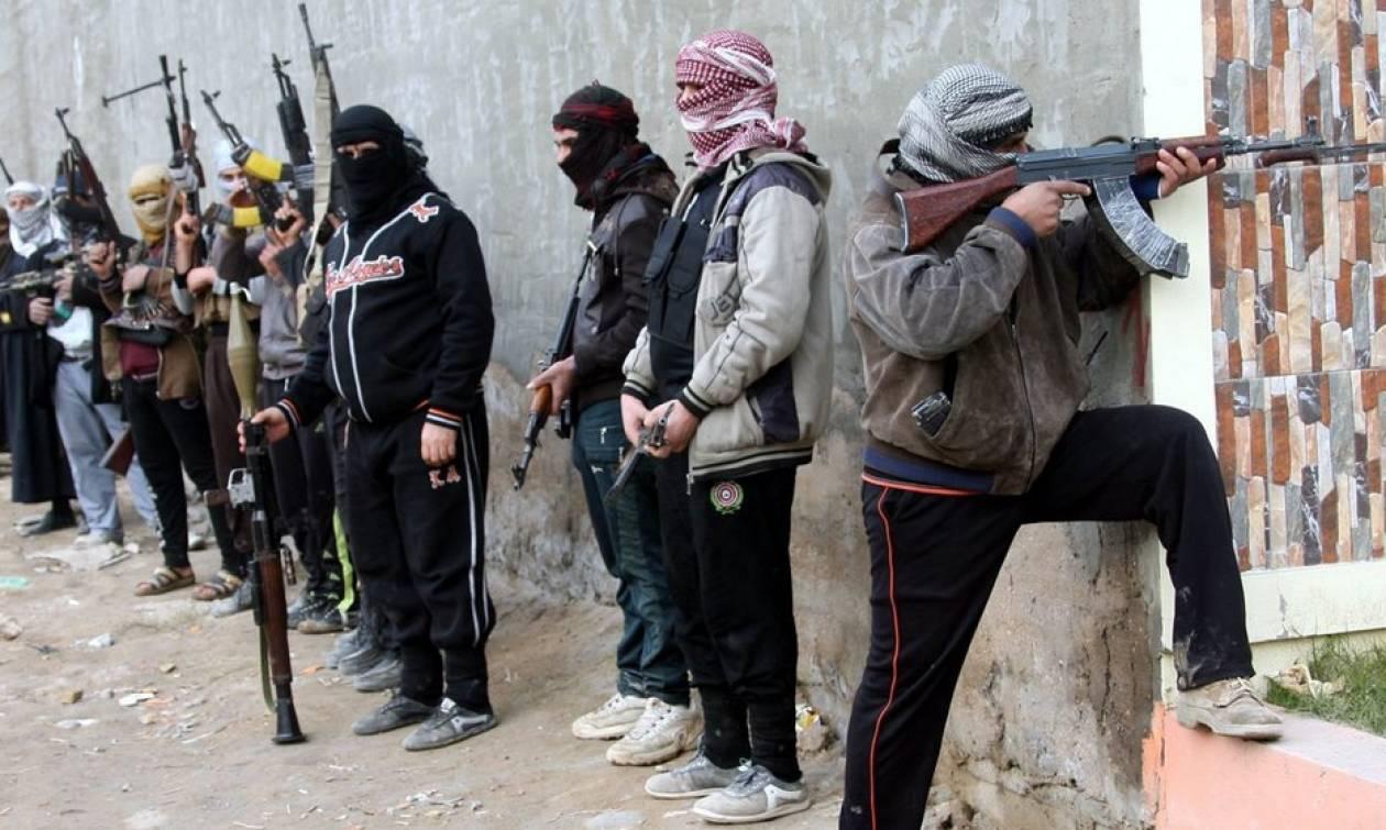 Οι ΗΠΑ παρέδωσαν πυρομαχικά στους Σύρους αντάρτες που πολεμούν τον ISIS
