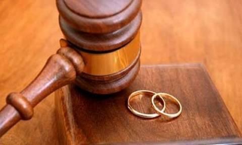 Διαζύγιο και... ελευθερία για γνωστό ποδοσφαιριστή!