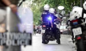 Πολυτεχνείο: Δύο συλλήψεις πριν την πορεία για κατοχή φωτοβολίδων
