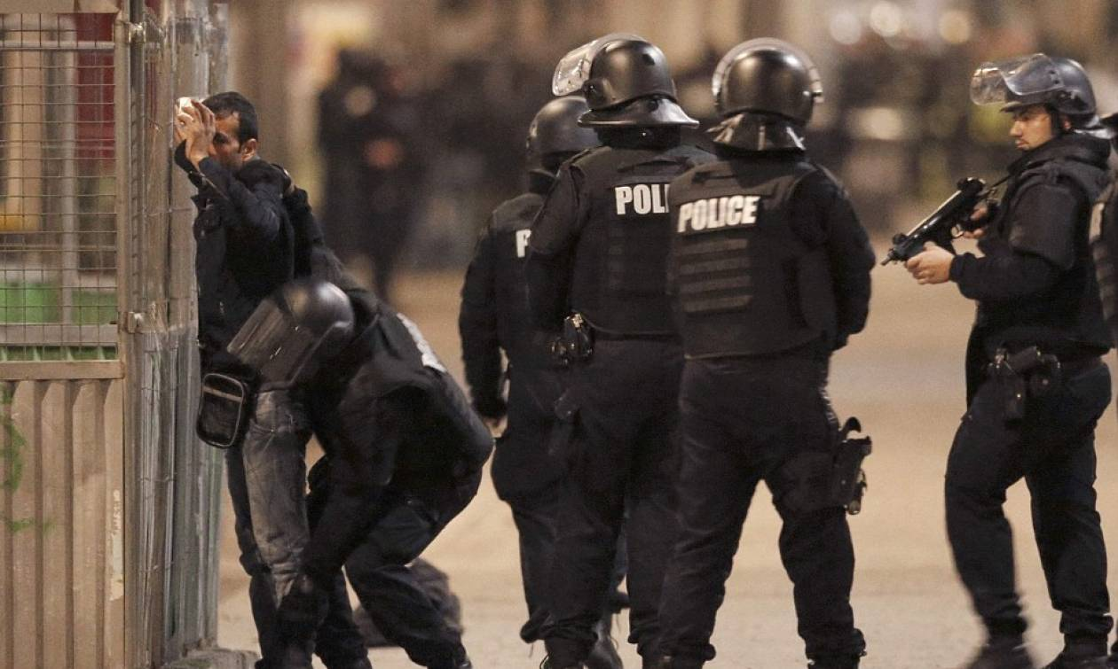 Παρίσι: 7 συλλήψεις και 2 νεκροί από την επιχείρηση στο Σεν Ντενί