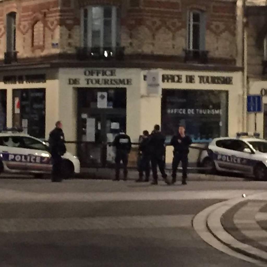 Παρίσι: Νέα επιχείρηση της αστυνομίας με ανταλλαγή πυροβολισμών και τραυματίες - Δείτε LIVE εικόνα