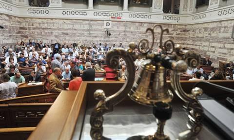 Την ΚΟ του ΣΥΡΙΖΑ ενημερώνει το οικονομικό επιτελείο για το νομοσχέδιο