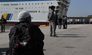 Πειραιάς: Περισσότεροι από 3.200 πρόσφυγες έφτασαν σήμερα στο λιμάνι