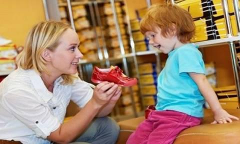 Πώς να επιλέξετε το κατάλληλο αθλητικό παπούτσι για το παιδί σας