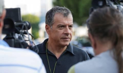 Θεοδωράκης: Η κυβέρνηση ενεργεί ερασιτεχνικά στα σοβαρά προβήματα