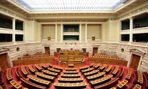 Βουλή: Ψηφίστηκαν τα νέα προαπαιτούμενα από τις Επιτροπές – Φοβούνται «διαρροές» για το κρασί
