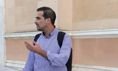 Πρώτο ρήγμα στην κυβέρνηση - Υπό παραίτηση ο Σακελλαρίδης