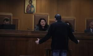 Μάρτυρας στη δίκη της Χρυσής Αυγής: «Δεν θυμάμαι, δεν γνωρίζω»