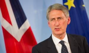 Χάμοντ για Κυπριακό: H Βρετανία είναι πρόθυμη να εξετάσει οποιαδήποτε πρόταση