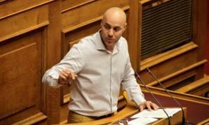 Βουλή: Ένταση μεταξύ Αμυρά και Καραθανασόπουλου: «Είσαι τραμπούκος» - «Είσαι γελοίος»