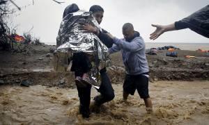 Λέσβος: Καταγγελίες για το ρόλο άγνωστων ΜΚΟ στα βόρεια του νησιού