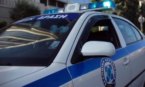 Αμφιλοχία: Συνελήφθησαν δύο αδέλφια που είχαν στην κατοχή τους ναρκωτικά και όπλα