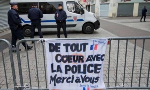 Επίθεση Γαλλία: Μέχρι τις 30 Νοεμβρίου η απαγόρευση διαδηλώσεων στο Παρίσι