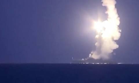 Ο στολίσκος της Κασπίας εκτόξευσε 18 πυραύλους κρουζ στο Ισλαμικό Κράτος (video)