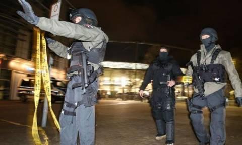 FAZ: Πέντε τρομοκράτες θα «χτυπούσαν» με βόμβες το Ανόβερο