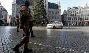 Πόλη «φάντασμα» οι Βρυξέλλες - Στα σπίτια του ο κόσμος, στους δρόμους στρατός κι αστυνομία