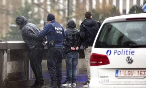 Βέλγιο: Πέντε ακόμα συλλήψεις υπόπτων για τρομοκρατία στις Βρυξέλλες