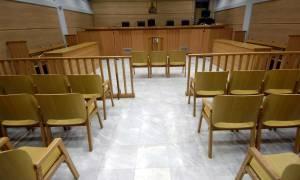 Βαριές ποινικές διώξεις σε βάρος φορολογικής αρχής για τη διαγραφή προστίμων σε κοσμηματοπώλη