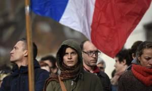 Γαλλία: Βρήκαν όπλο στο διαμέρισμα του Σεντ Ντενί και ζώνη με εκρηκτικά σε κάδο