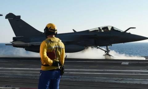 Τα πρώτα πλήγματα στο Ισλαμικό Κράτος από γαλλικά μαχητικά του «Σαρλ ντε Γκωλ»