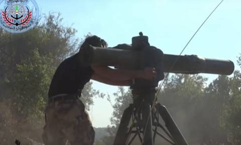 Η στιγμή που Σύροι αντάρτες χτυπούν το ρωσικό ελικόπτερο (video)