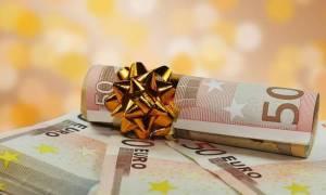 Δώρο Χριστουγέννων 2015: Πώς υπολογίζεται – Ποιοι το δικαιούνται και πότε θα πάρουν