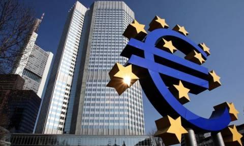 ΕΚΤ: Παραμένει ο κίνδυνος χρεοκοπίας της Ελλάδας