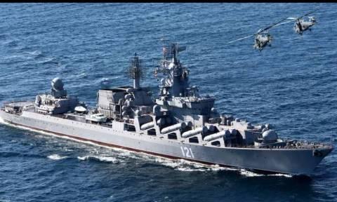 Αυτό είναι το πλωτό «φρούριο» που κατεβάζει η Ρωσία στη Μεσόγειο