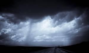 Με ισχυρές βροχές και καταιγίδες ο καιρός της Πέμπτης (pics)