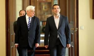 Με την πλάτη στον τοίχο ο Τσίπρας ζητάει Συμβούλιο Πολιτικών Αρχηγών