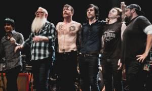 Eagles of Death Metal: Θέλουμε να τελειώσουμε τη συναυλία στο Μπατακλάν