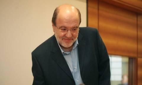 Αλεξιάδης: Μείωση δαπανών όχι μειώσεις μισθών και απολύσεις