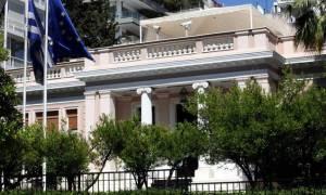 Κυβέρνηση: Δεν ζητήθηκε από τους θεσμούς η σύγκληση του Συμβουλίου Πολιτικών Αρχηγών