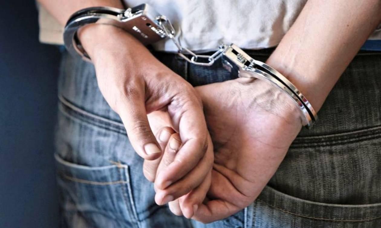 Χανιά: Σύλληψη 67χρονου με αρχαίους αμφορείς (pics)