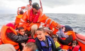 Σκληρές εικόνες: Νέες τραγωδίες με νεκρά προσφυγόπουλα που ήθελαν να φθάσουν στην Ελλάδα (video)