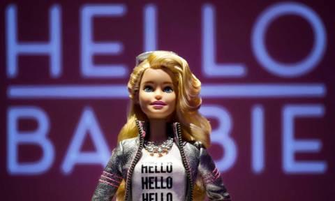 Σάλος με τη νέα Barbie… κατάσκοπο! (video)