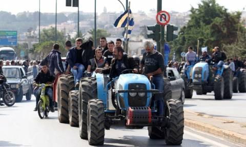 Στα «κάγκελα» οι αγρότες  - Προειδοποιούν τους βουλευτές του ΣΥΡΙΖΑ: «Μην ψηφίσετε τα μέτρα»