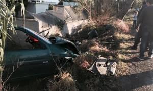 Νέο τροχαίο στην Ρόδο: Αυτοκίνητο κατέληξε σε καλαμιές μετά από τρελή πορεία (vid&pics)