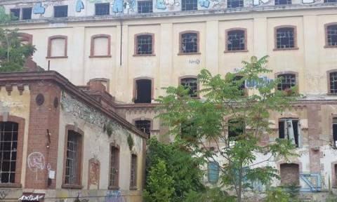 Θεσσαλονίκη: Χαροπαλεύει 15χρονη που έπεσε από όροφο εγκαταλελειμμένου εργοστασίου