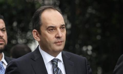 Συμβούλιο Πολιτικών Αρχηγών: «Κόντρα» Πλακιωτάκη – Τσίπρα