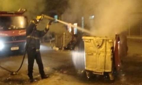 Χανιά: Μπαράζ πυρκαγιών σε κάδους απορριμμάτων κατά τη διάρκεια της νύχτας