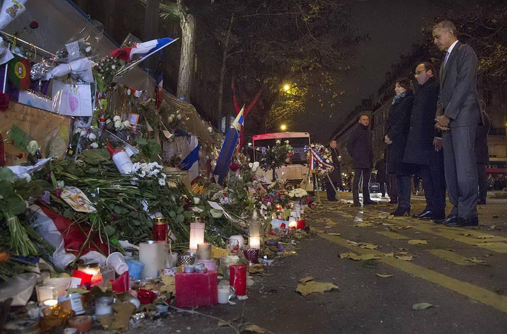 Γαλλία: Με λουλούδια στο Μπατακλάν ο Μπαράκ Ομπάμα (pics)
