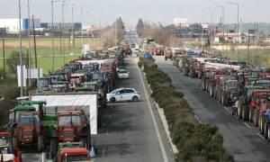 Βγάζουν τα τρακτέρ στους δρόμους οι αγρότες της Λάρισας