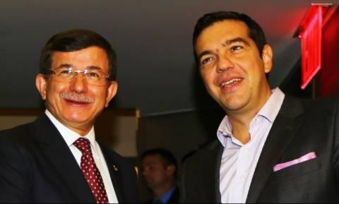 Αλέξης Τσίπρας: Ο πρωθυπουργός του «γράψε - σβήσε» χρεώνει τα λάθη σε βοηθούς του