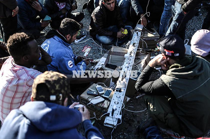 Το προσφυγικό δράμα στην Ειδομένη της οργής και της απελπισίας (photos)