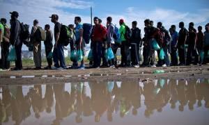 Αεροπορική μεταφορά προσφύγων εξετάζει η Ευρωπαϊκή Επιτροπή