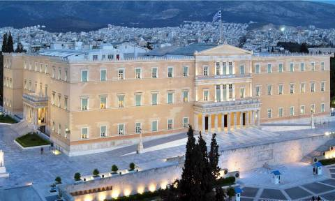 Στη Βουλή η «μάχη» για τον προϋπολογισμό